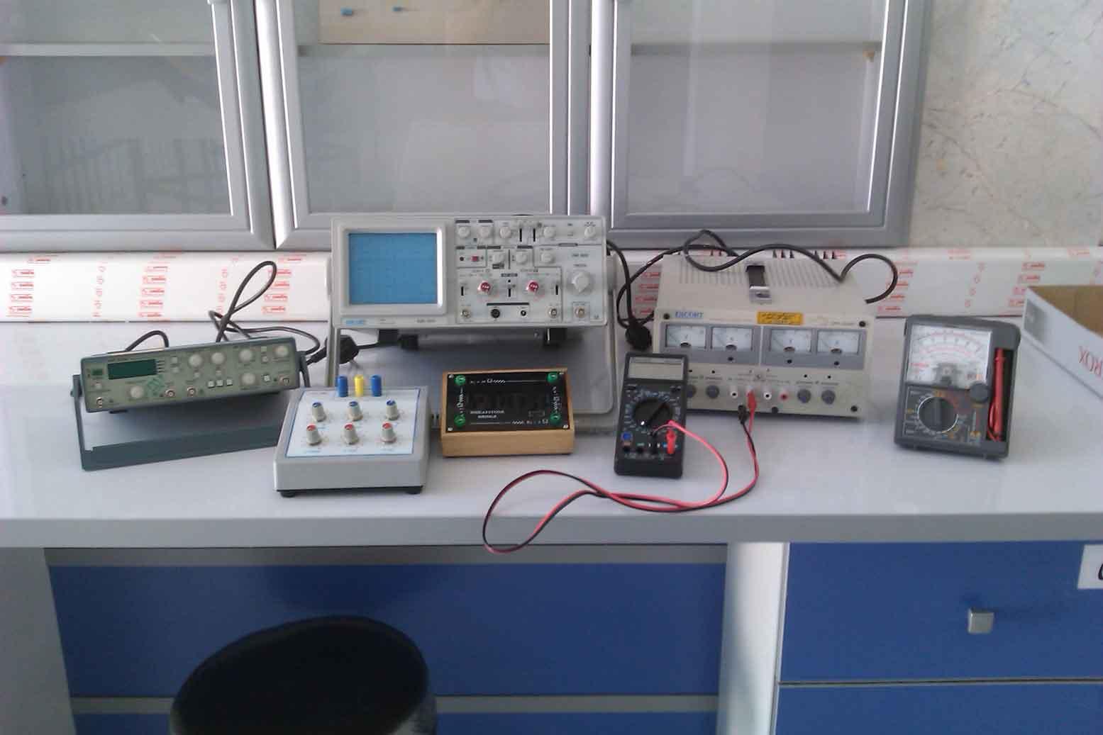 آزمايشگاه الکترونيک 1